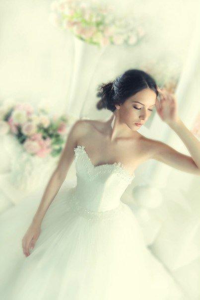WHITE wedding boutique